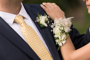 How to Select the Perfect Corsage for Prom